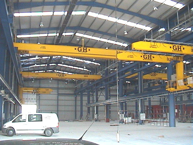 Several wall jib cranes with hoists of 3,2t lifting capacity and some EOT cranes with 10t lifting capacity for Comansa customer.