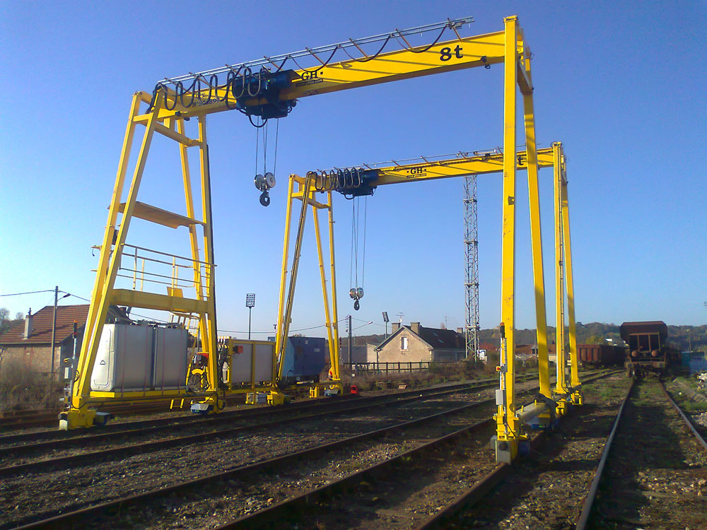 Goliath cranes with a 8t hoist in France.