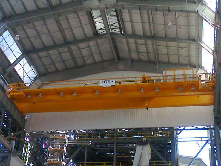 EOT crane with hoist of 20t for Ternium customer in Mexico.
